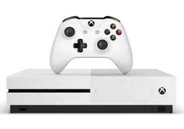 La nouvelle Xbox One S fait son entrée à l'E3 !