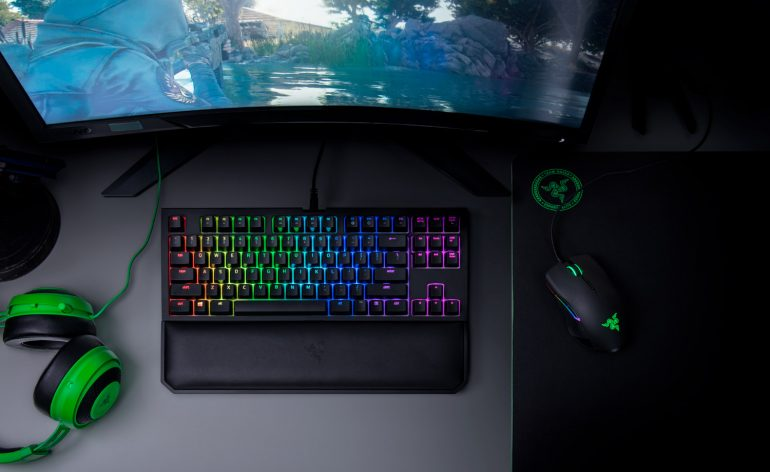 Razer lance le clavier Blackwidow Chroma V2 Tournament Edition