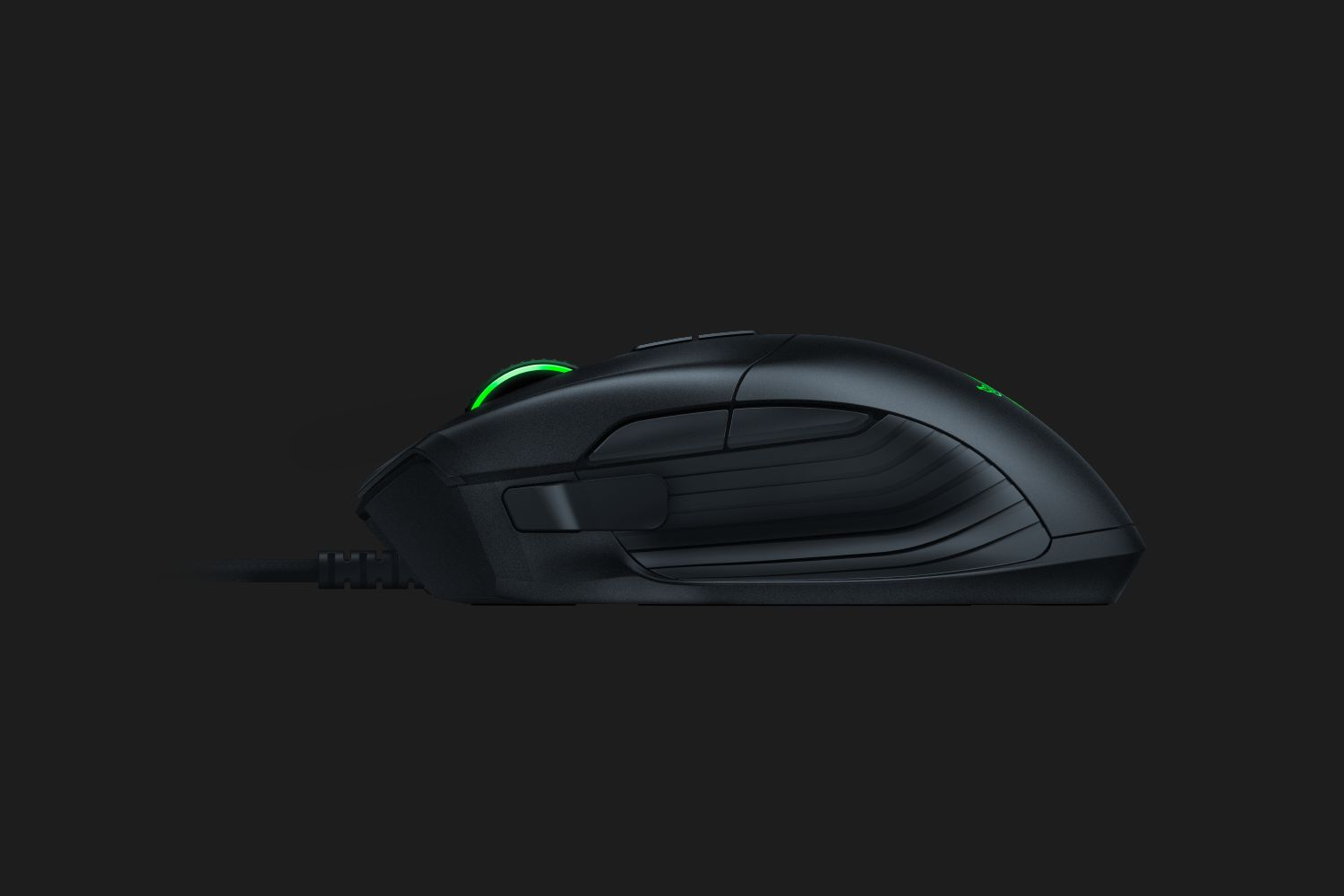 razer basilisk une souris pour le fps le mag jeux high tech. Black Bedroom Furniture Sets. Home Design Ideas
