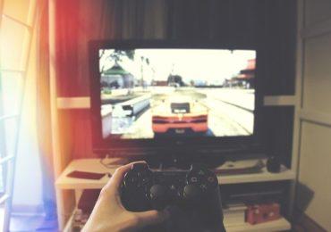 ES1: Image d'illustration d'une télévision avec un jeu vidéo