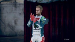 Monster Energy Supercross 3 : image d'un pilote sur le podium