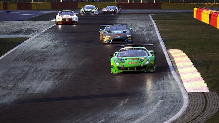 Assetto Corsa. : image tirée du jeu de plusieurs voitures en action