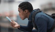 Nokia tease le prochain James Bond, avec Lashana Lynch