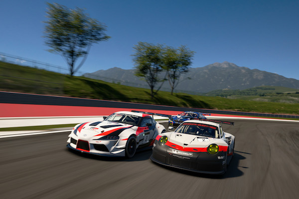 Play4Good : Une Toyota et une Porsche en bagarre dans Gran Turismo Sport