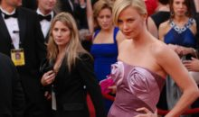 Comic Con : Charlize Theron délivre un message vidéo et parle de Furiosa