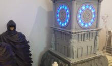 Saint Seiya : Focus, en vidéo, sur l'horloge du sanctuaire pour figurines Myth Cloth