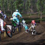 Plusieurs motos en saut dans le jeu