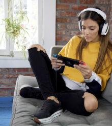 Recon 200 Gen 2 : un casque inédit pour PS5, Switch et Xbox Series